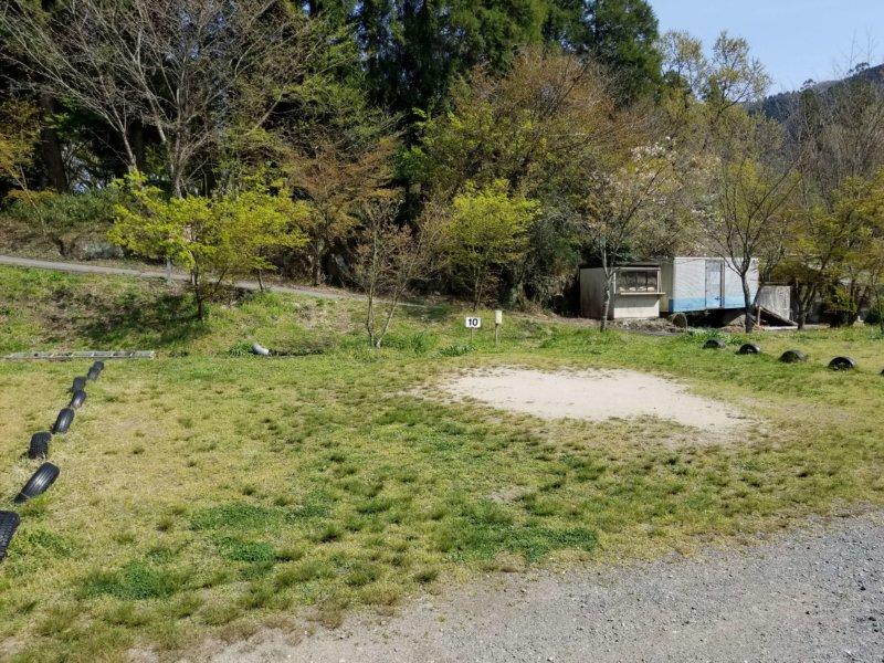 三日月の滝温泉キャンプ場(Aサイト10番)