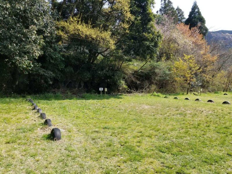 三日月の滝温泉キャンプ場(Aサイト15番)