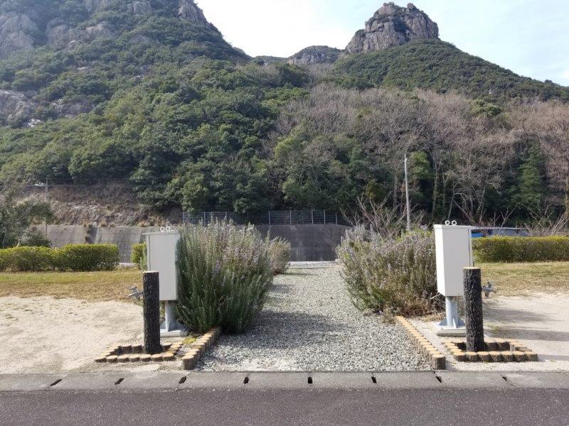 小豆島オートビレッジYOSHIDA(オートサイト34番と35番の間にある通路)