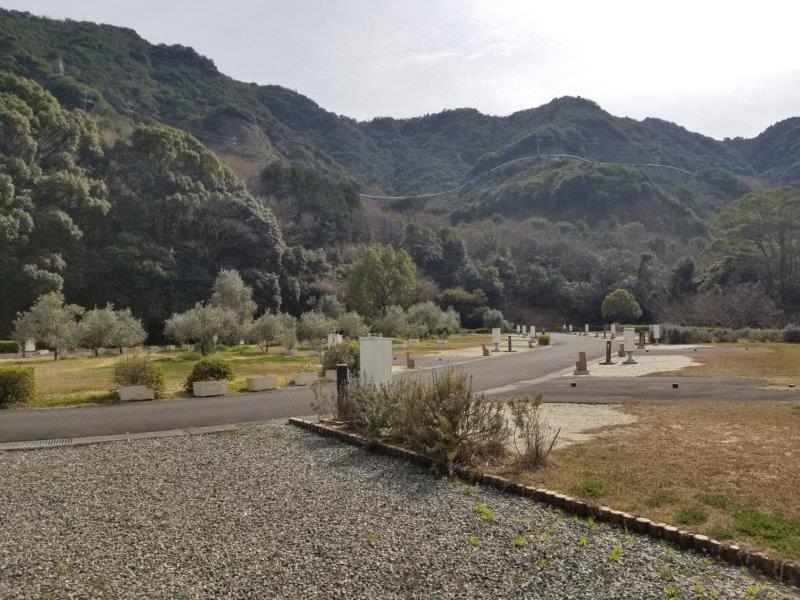 小豆島オートビレッジYOSHIDA(オートサイト38番と39番の間にある通路)