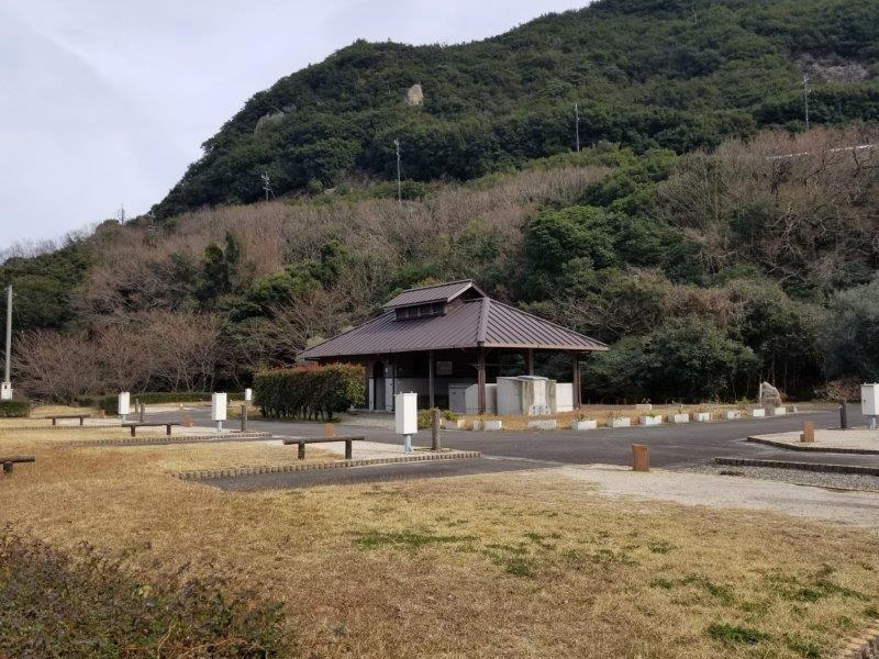 小豆島オートビレッジYOSHIDA(オートサイト8番と9番の間の通路)