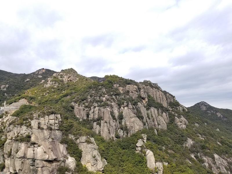 小豆島オートビレッジYOSHIDA(裏手の岩山)