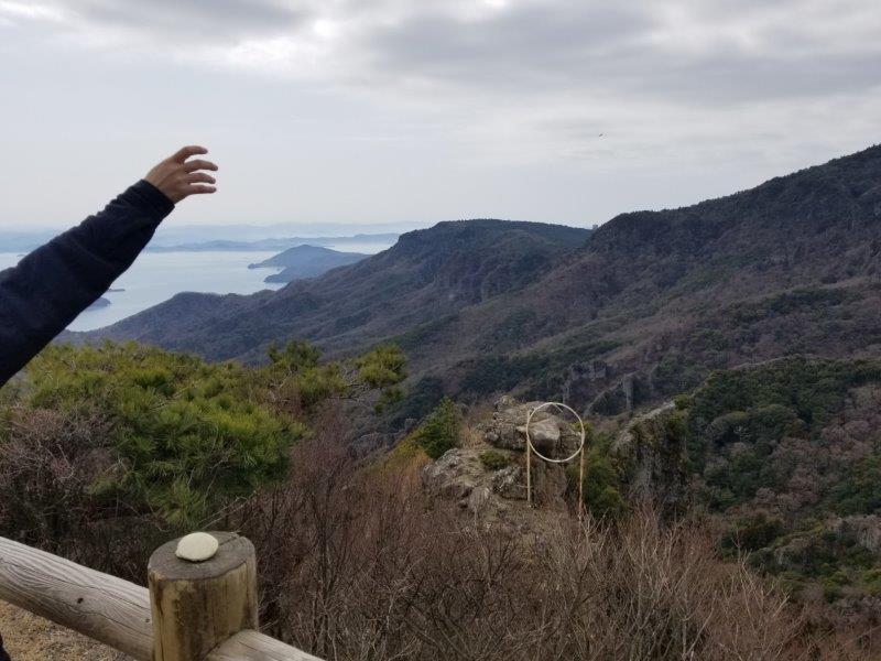 寒霞渓のかわら投げに挑戦