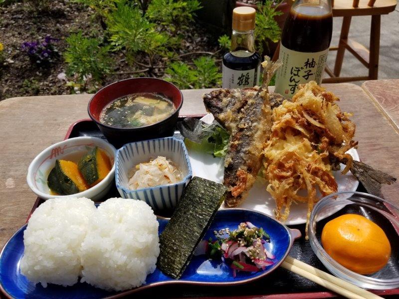 小豆島-こまめ食堂 棚田のおにぎり定食