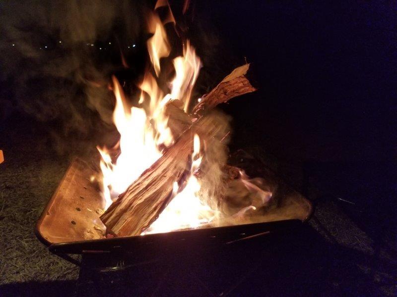 小豆島オートビレッジYOSHIDA1泊目の焚き火