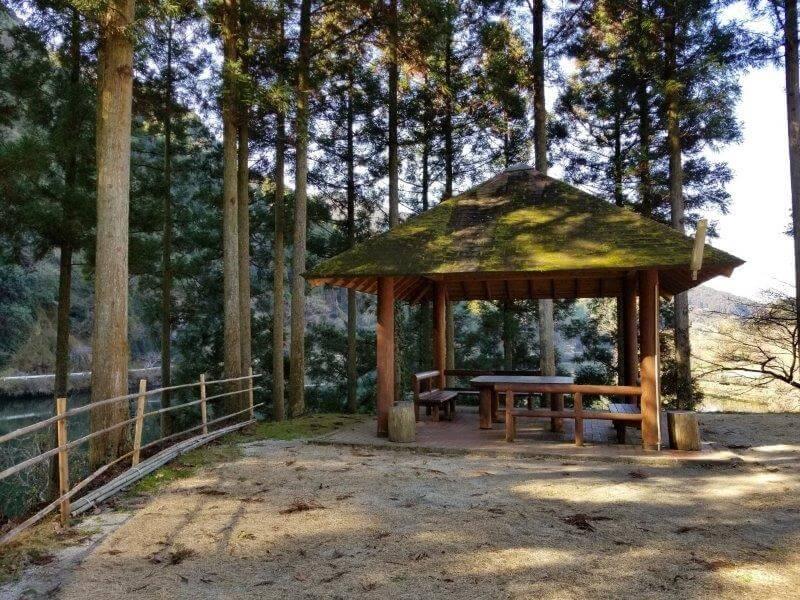 グリーンパル日向神峡 フリーサイトの東屋