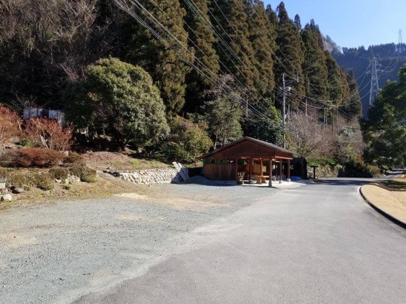 グリーンパル日向神峡 林間広場前の駐車場