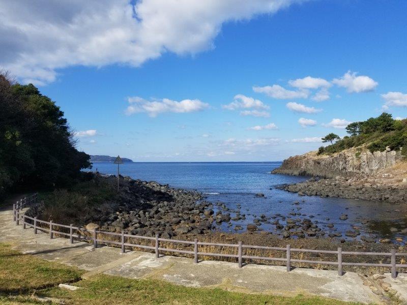 波戸岬キャンプ場オートサイトNorthエリアの海沿い