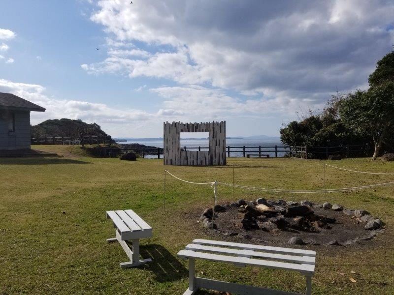 波戸岬キャンプ場の中央広場の様子