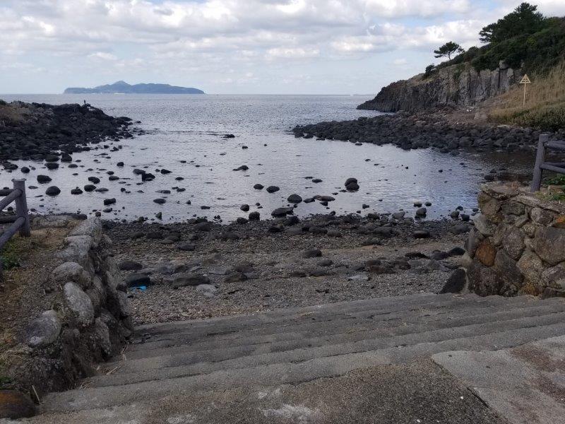 波戸岬キャンプ場から海へ降りる入口