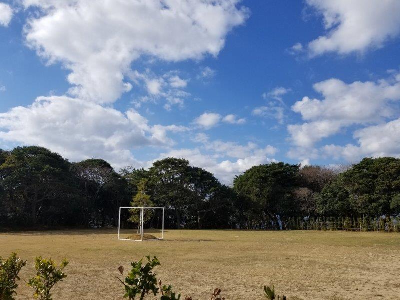 波戸岬キャンプ場のプレミアムエリア専用ウッドデッキ