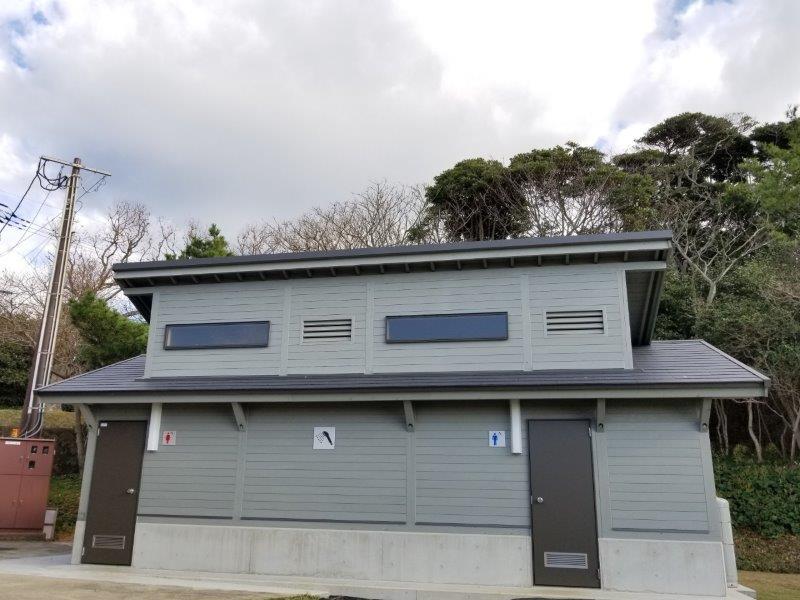 波戸岬キャンプ場のシャ波戸岬キャンプ場のシャワールームワールームは6分300円