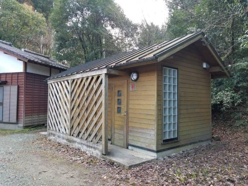 池の山キャンプ場 トイレ