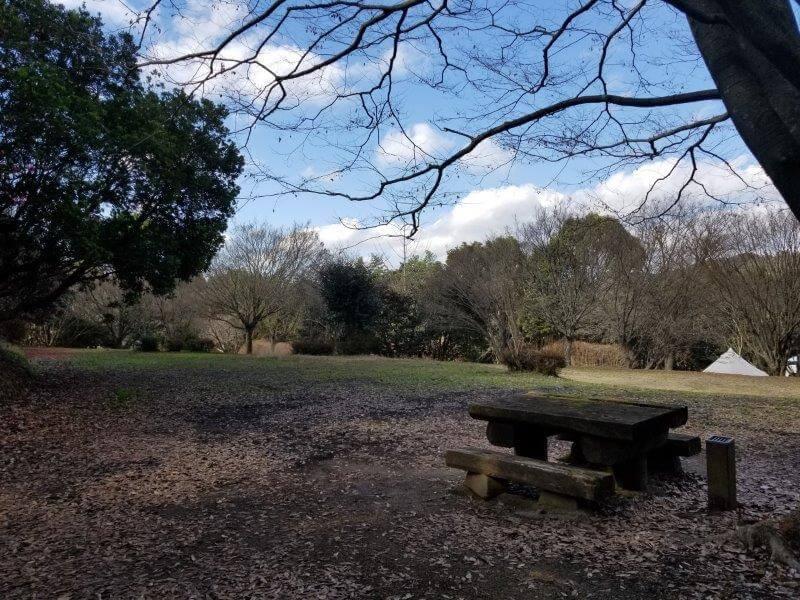 池の山キャンプ場 忠霊塔の奥にあるサイト