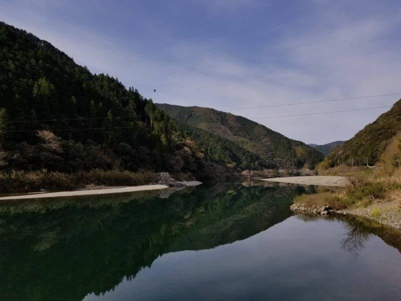 片岡沈下橋から見た仁淀川