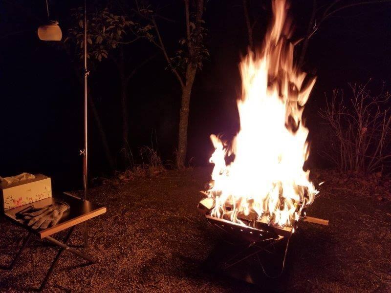 まんのう公園オートキャンプ場で焚き火