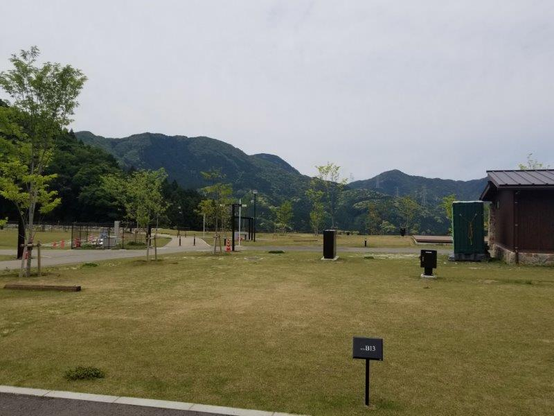 モンベル五ケ山ベースキャンプ Bサイト-B13