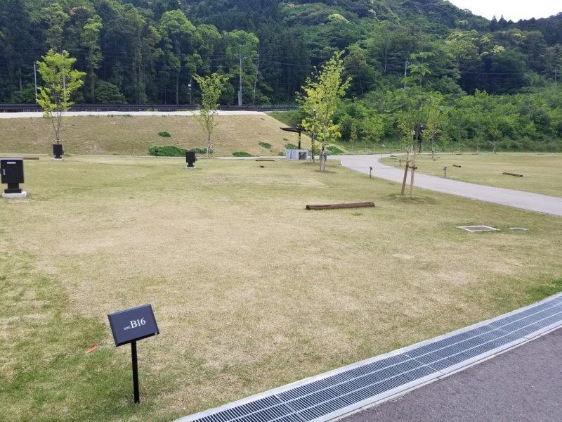 モンベル五ケ山ベースキャンプ Bサイト-B16