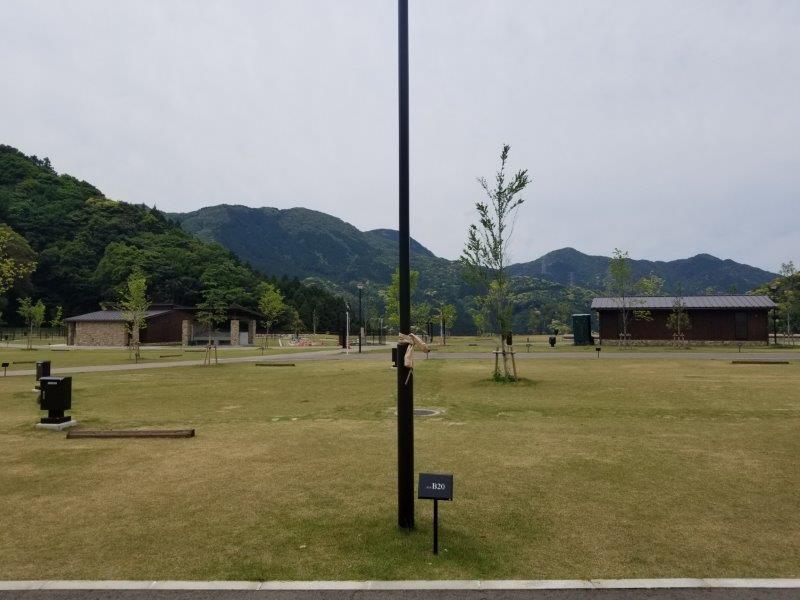 モンベル五ケ山ベースキャンプ Bサイト-B20