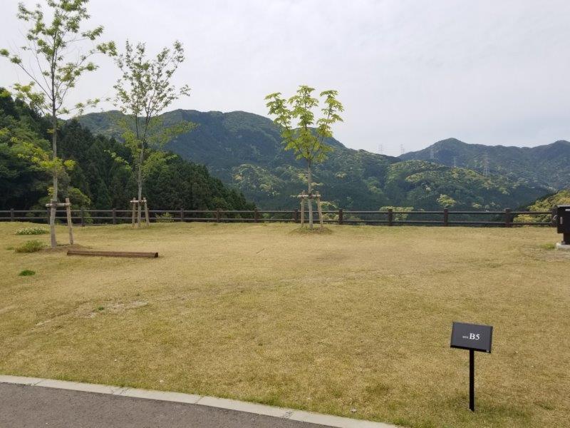 モンベル五ケ山ベースキャンプ Bサイト-B5