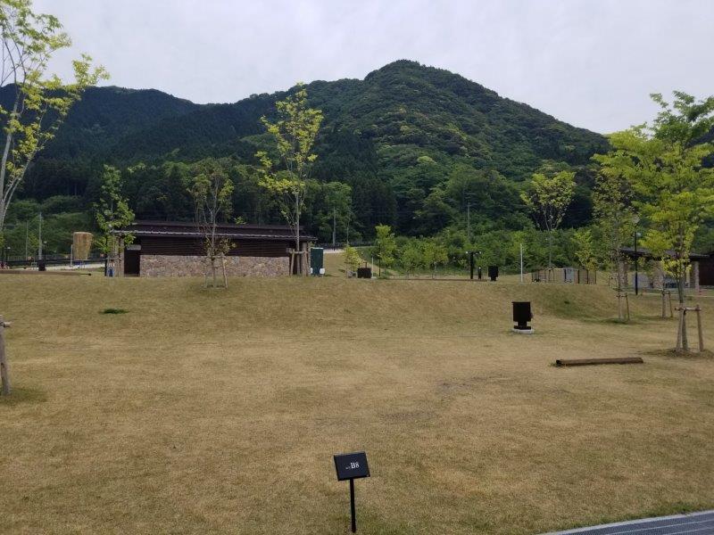 モンベル五ケ山ベースキャンプ Bサイト-B8