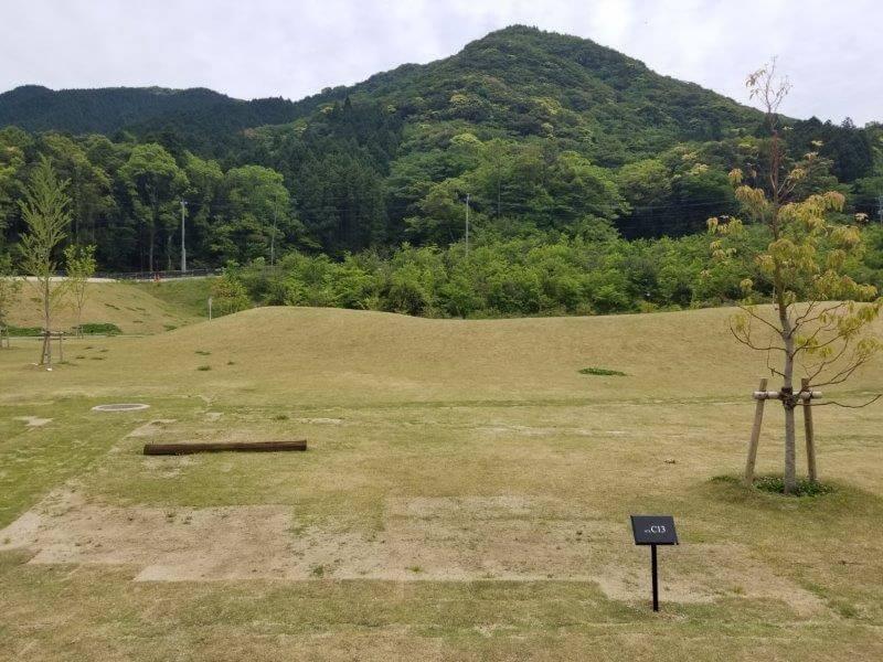 モンベル五ケ山ベースキャンプのCサイト-C13