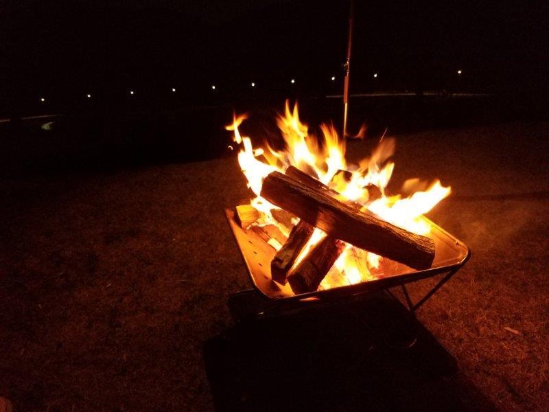 モンベル五ケ山ベースキャンプで焚き火