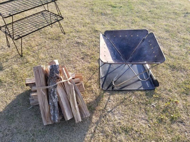 モンベル 五ケ山ベースキャンプ場で焚き火の準備