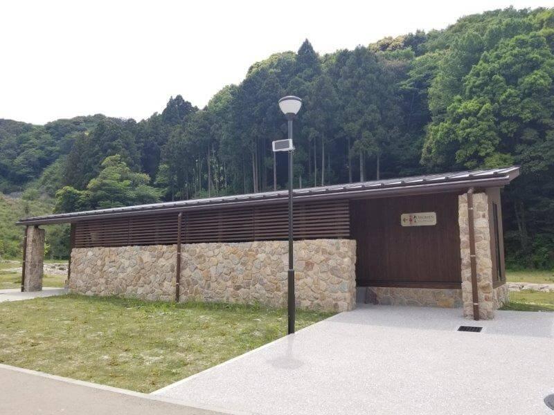 モンベル 五ケ山ベースキャンプ トイレ棟
