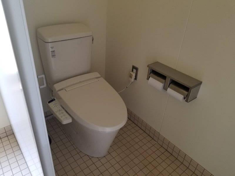 モンベル 五ケ山ベースキャンプ 洋式トイレ
