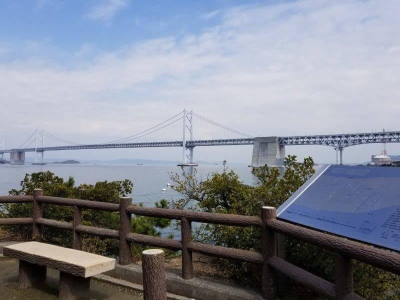沙弥ナカンダ浜展望台から見た瀬戸大橋