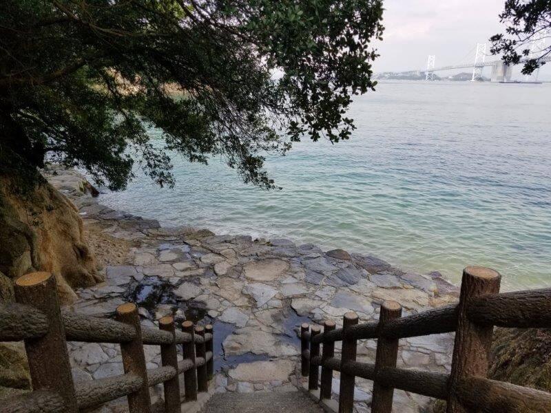 沙弥ナカンダ浜遺跡への道
