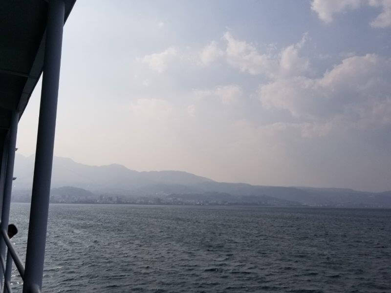 宇和島運輸フェリーから見る別府の街