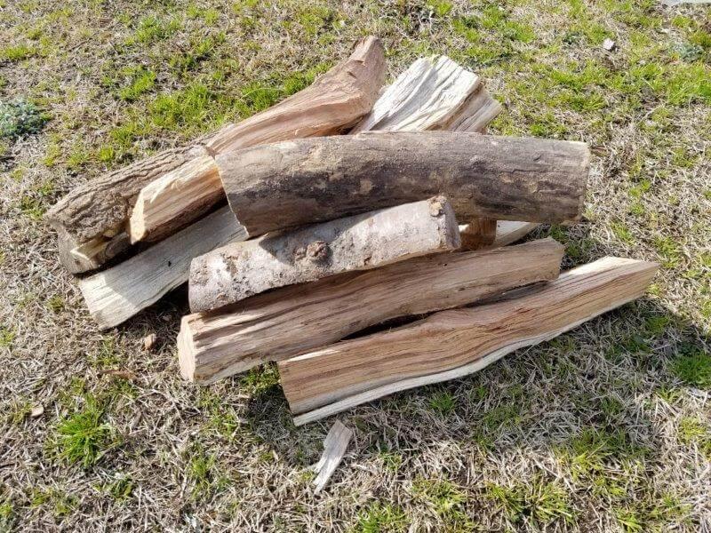 竜王山公園オートキャンプ場の薪