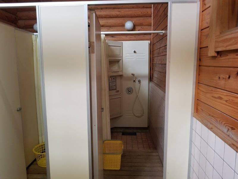 竜王山公園オートキャンプ場のシャワールーム