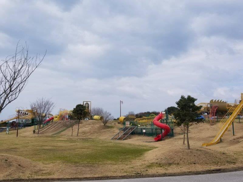 竜王山公園オートキャンプ場 竜のアスレチックがある広場