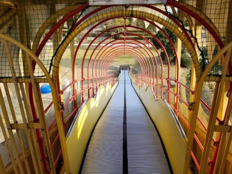 竜王山公園オートキャンプ場のすべり台