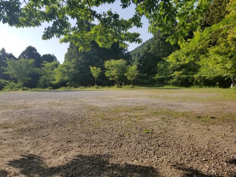 若杉楽園キャンプ場の日陰サイトからの景色