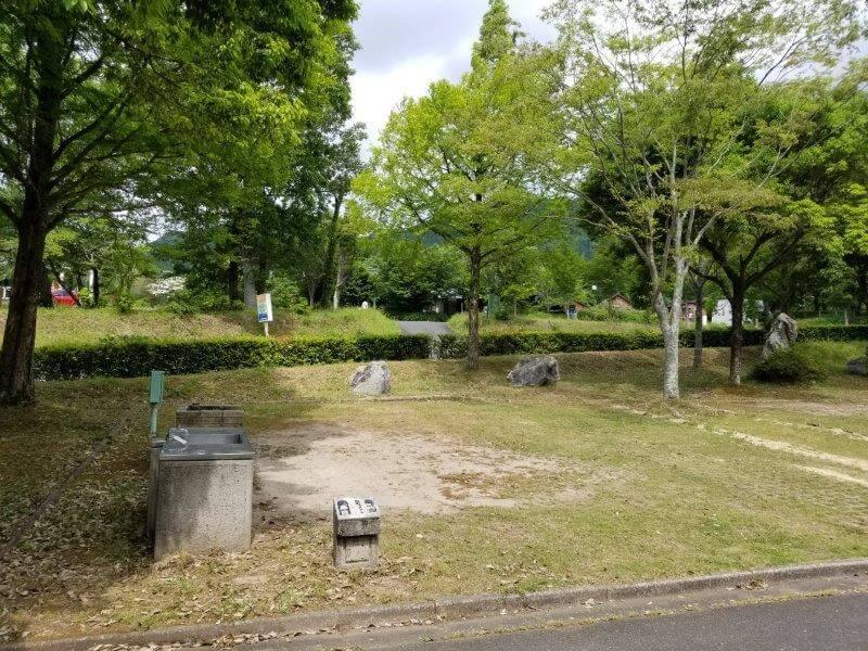 秋吉台オートキャンプ場AサイトのA13