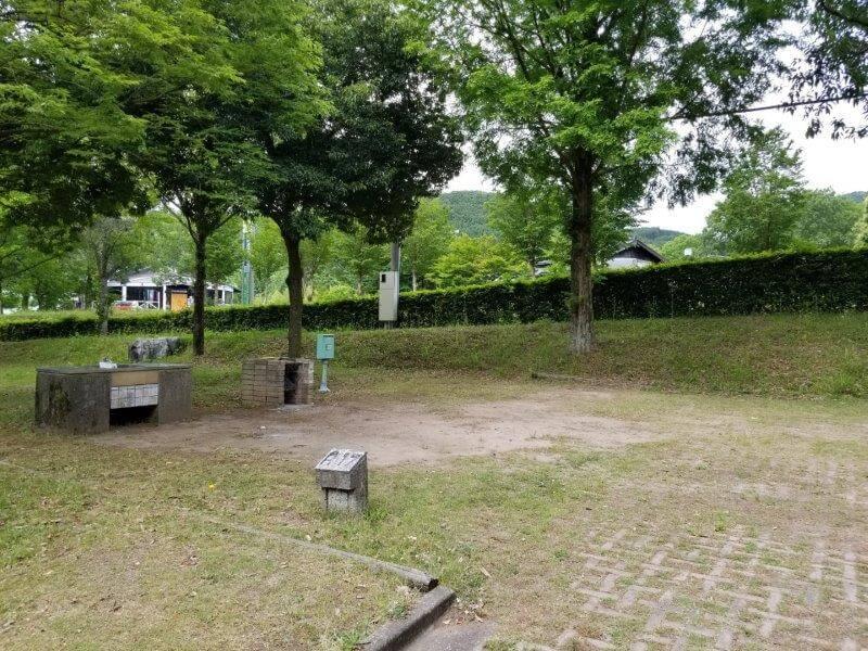 秋吉台オートキャンプ場AサイトのA17