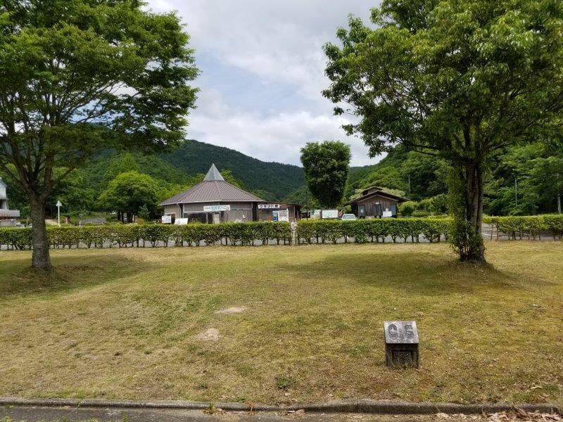 秋吉台オートキャンプ場CサイトのC6