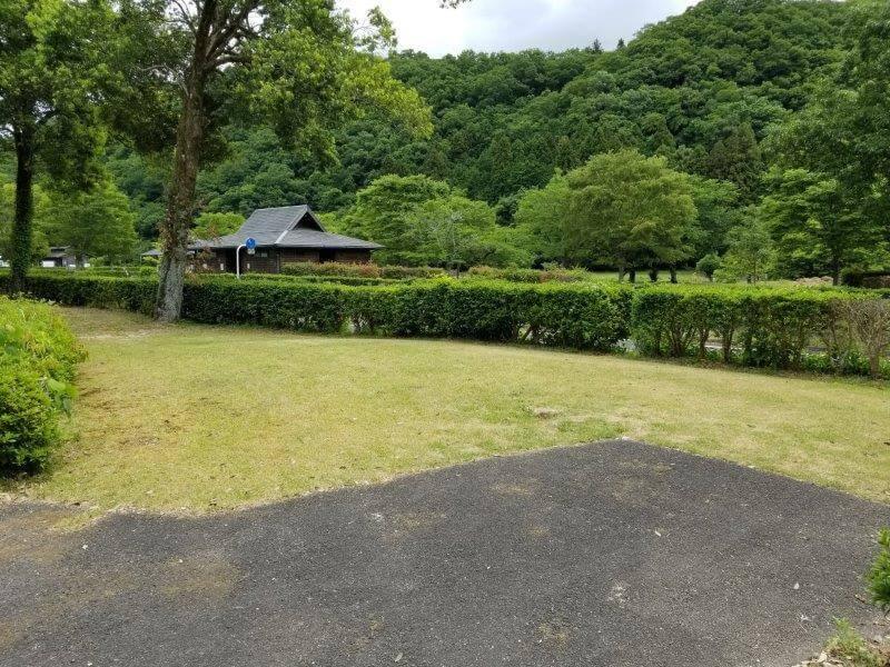 秋吉台オートキャンプ場SサイトのS13