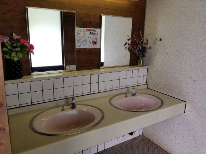 秋吉台オートキャンプ場Sサイト近くにあるトイレの手洗い場