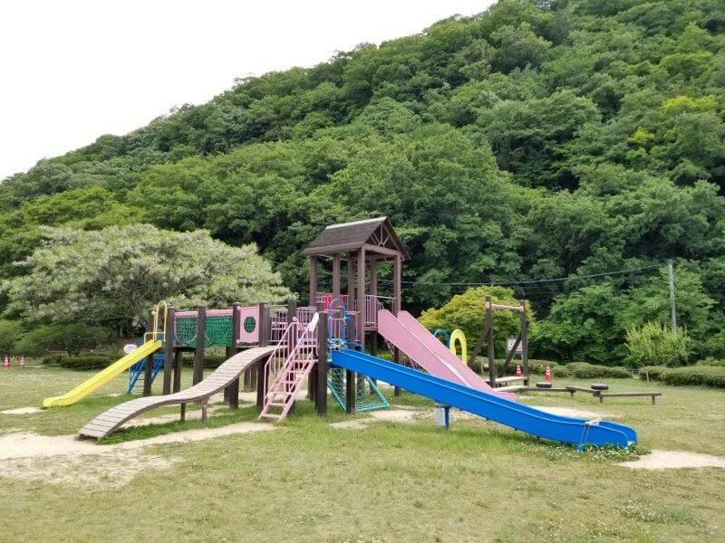 秋吉台オートキャンプ場の遊具