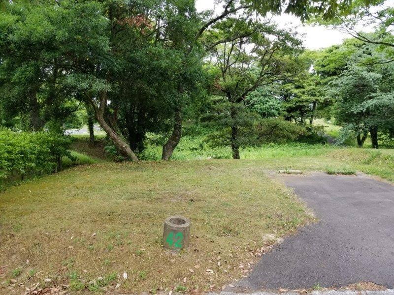 秋吉台家族旅行村のオートサイト42番