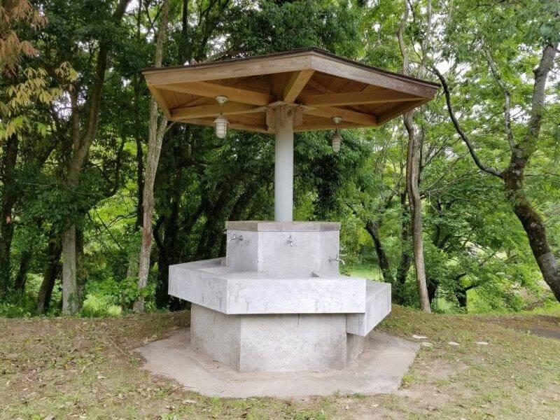 秋吉台家族旅行村の給水棟