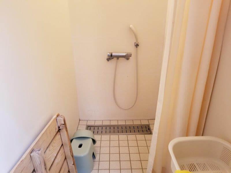 秋吉台家族旅行村オートキャンプ場の無料シャワー