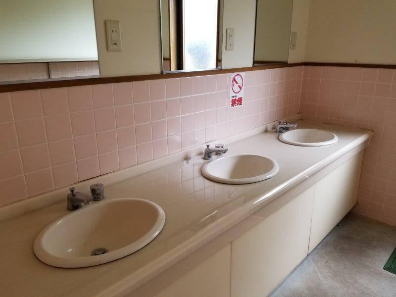 秋吉台家族旅行村オートキャンプ場のトイレ