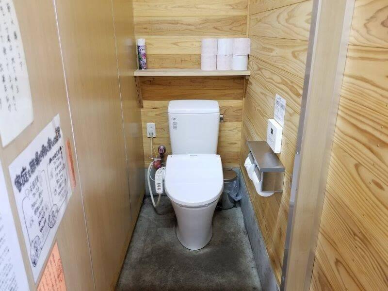 ボイボイキャンプ場の洋式トイレ