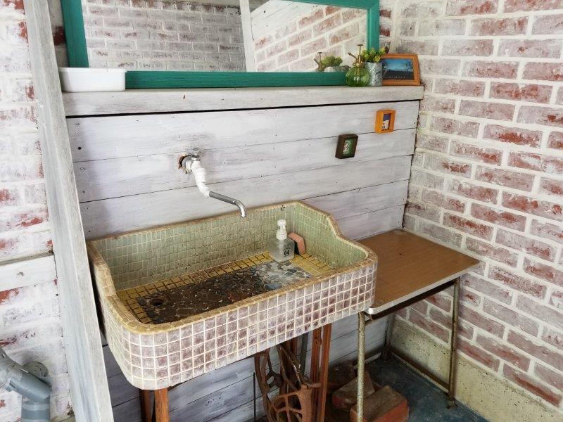 ゴンドーシャロレー 管理棟近くのトイレ手洗い場